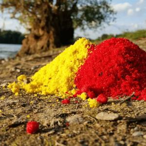Farine BirdFood rouge et jaune